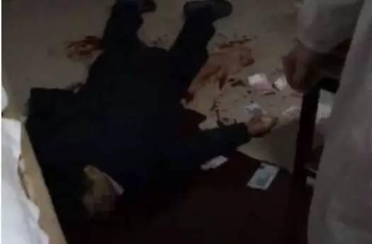 江苏靖江骨科名医在家中被杀 血泊中洒满钱
