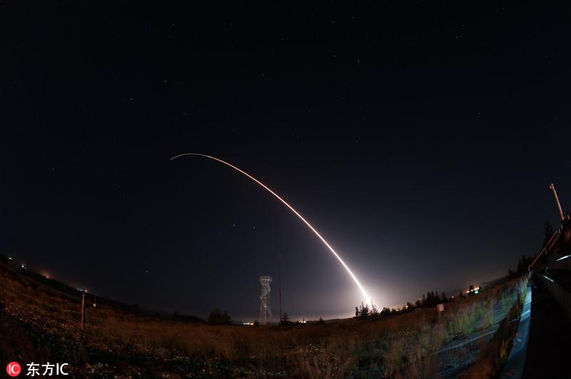 """美国试射一枚""""民兵3""""洲际弹道导弹"""