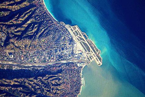空间站视角!法国宇航员震撼拍摄全球机场