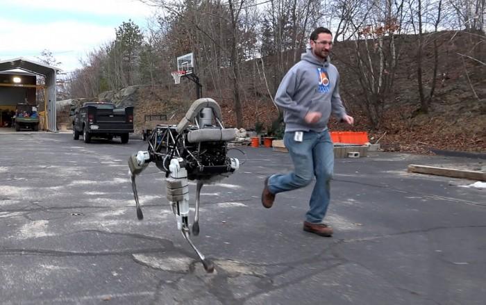 """逆天机器狗变身""""搬运工"""" 谷歌:进入试验阶段"""