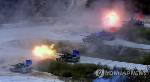 韩美举行大规模联合火力演习 代总统及防长观演