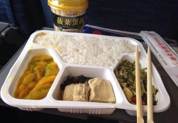 互联网+--喜大普奔!高铁餐饮将在网上明码标价 乘客可自主选择
