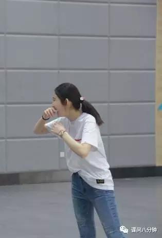 全能舞蹈才女渴望变身女强人 立志成功不抱怨