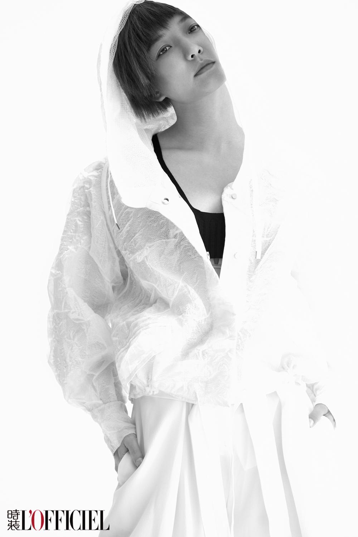 王珞丹登时装封面 酷帅风诠释随性洒脱魅力