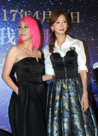 林志玲这次穿的多却被低胸装美女抢尽风头