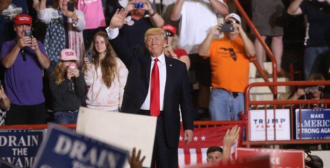 美国总统特朗普在宾州举行执政百日集会