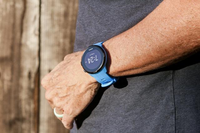 松拓Wrist HR手表体验 运动专业但智能特性一般