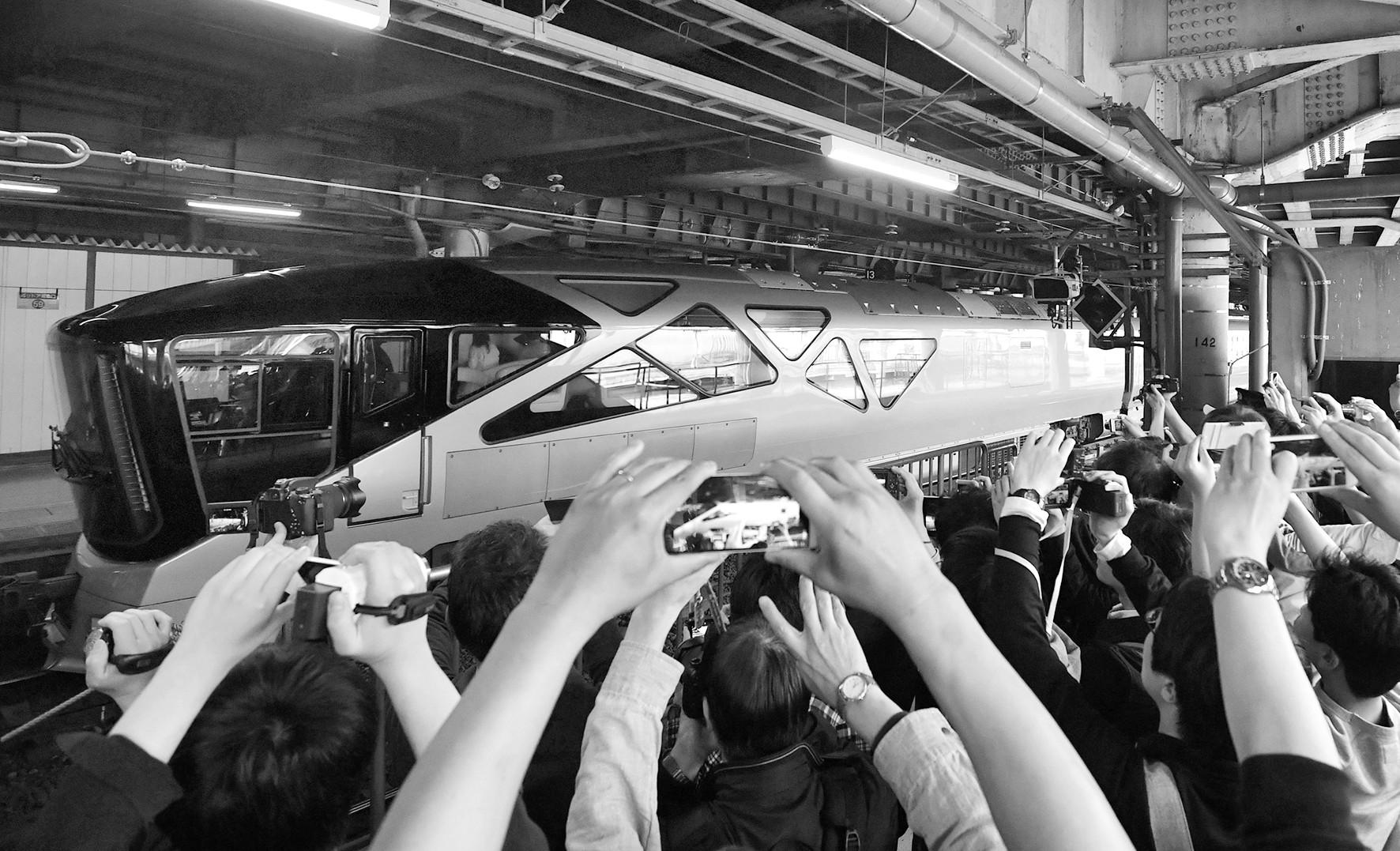 日本JR东日本公司豪华卧铺 最多搭载34人
