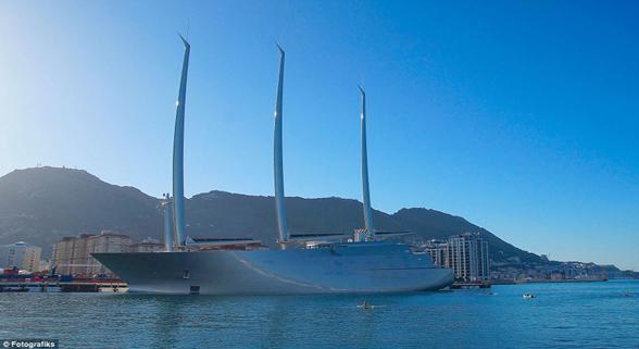 俄富豪3.6亿英镑购世界最大游艇 桅杆高过大本钟