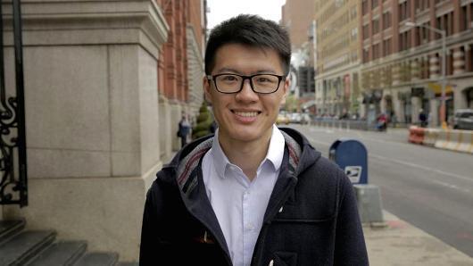 大学生卧底iPhone工厂:相信iPhone不会回美国制造