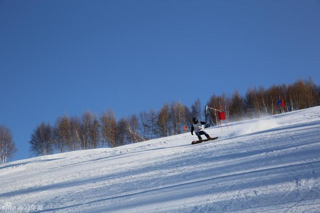 牢记滑雪受伤简单自救三大原则