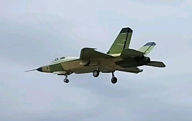 美媒:歼31或成中国下代舰载机 但还缺关键设备