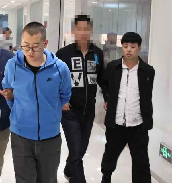 京东公布反腐案例:经理伙同下属受贿被带离