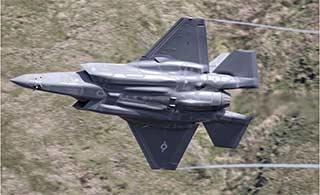 F-35A战机低空掠过相当霸气