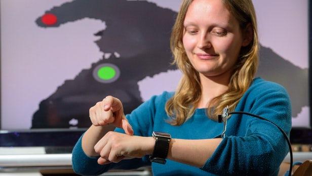 WatchSense概念:可在空中和智能手表进行交互