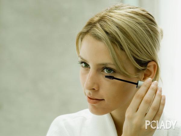 7个化妆步骤让你拥有明星妆容