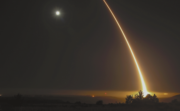 美短期之内射三枚洲际导弹 英媒:足以打击平壤