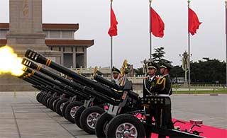 天安门礼炮部队换用最新站姿