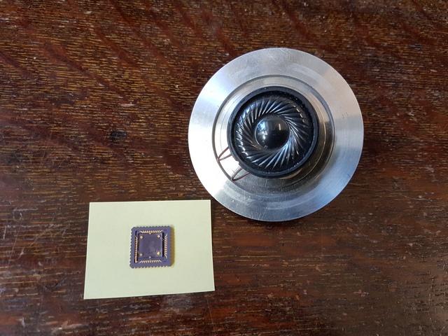 不靠振动靠热导 石墨烯扬声器通过热量发出声音