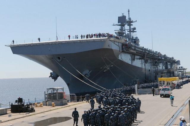 美国海军第二艘美国级两栖舰下水 计划将建11艘
