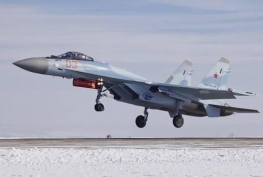 外媒:美军F22拦截俄军苏35 两国顶级军机碰面