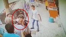土耳其女婴从楼上跌落 一群热心大叔伸手接应
