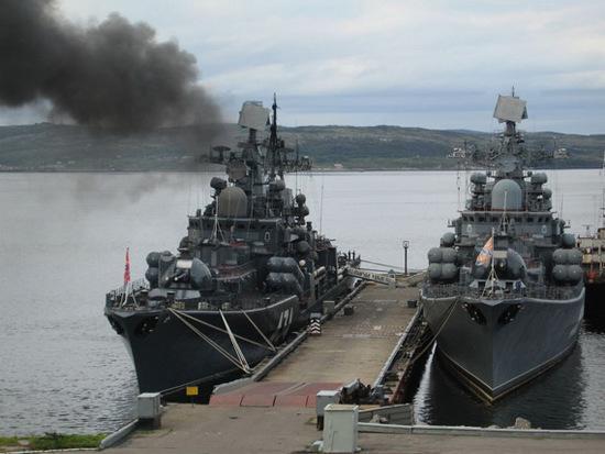 俄多艘舰艇放弃阅兵紧急出动 准备对付美国军舰