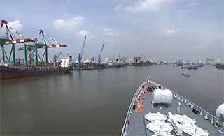 中国海军舰队抵达西贡港访问越南