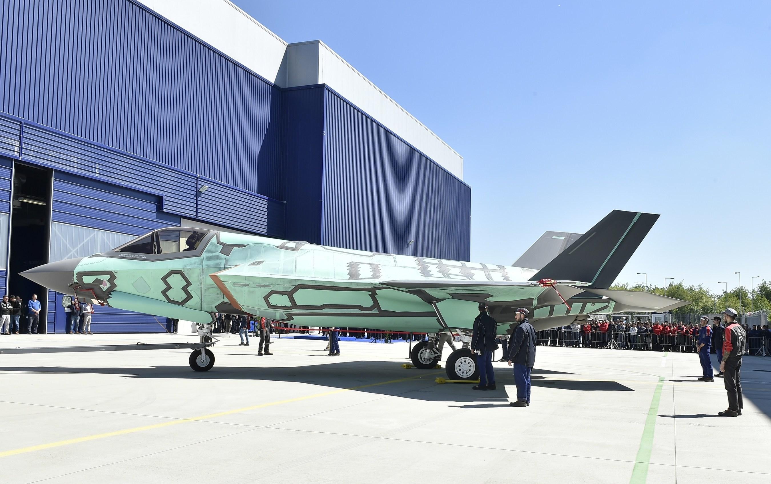 首架海外组装F35B在意大利下线 将在此重装约130架