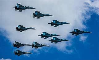俄罗斯阅兵彩排战机遮天蔽日