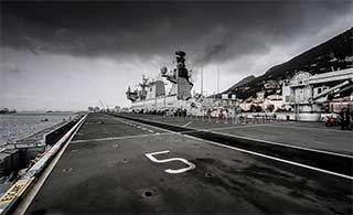 英国两栖舰可携带15架战机
