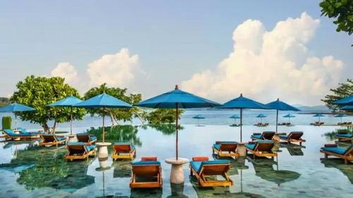 小岛酒店静享海景与民俗