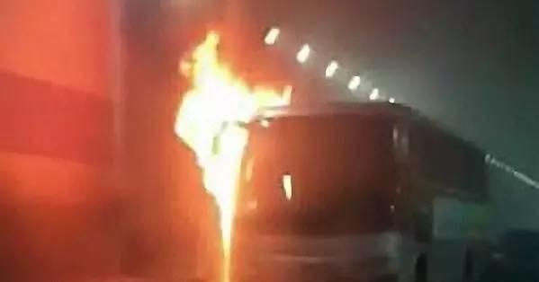 痛!威海校车起火11名学龄前儿童全死(5韩国籍、6中国籍)