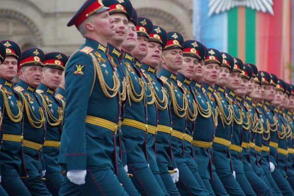 实拍俄罗斯红场阅兵式纪念卫国战争胜利72周年 场面震撼