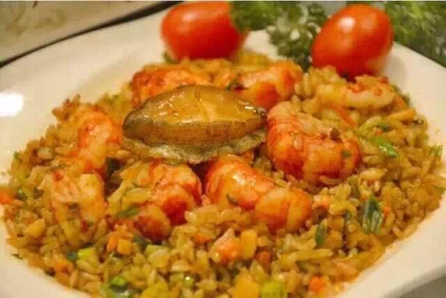 香港一饭馆因售卖鲍鱼炒饭里没鲍鱼被罚款
