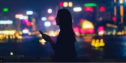 """路遇骚扰怎么办?法媒推荐四大""""防狼""""App"""