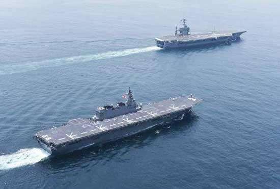 """日本自衛隊""""準航母""""與美軍航母進行聯合訓練"""