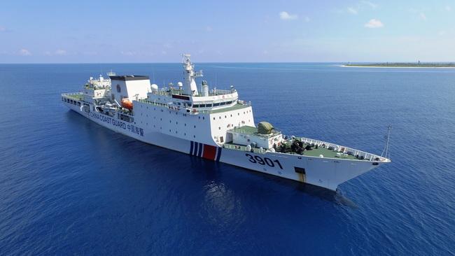 """美媒:中国新""""怪兽""""万吨海警船完成南海首巡"""