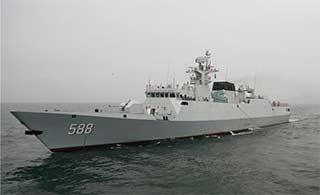 056轻型护卫舰在东海开炮训练