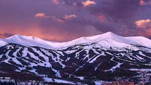 滑雪胜地科罗拉多的山间四季