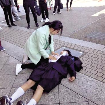 护士日本旅游救人 网友感叹:医者仁心不分国籍