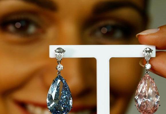 天价蓝粉钻石耳环将拍卖 估价数千万美元