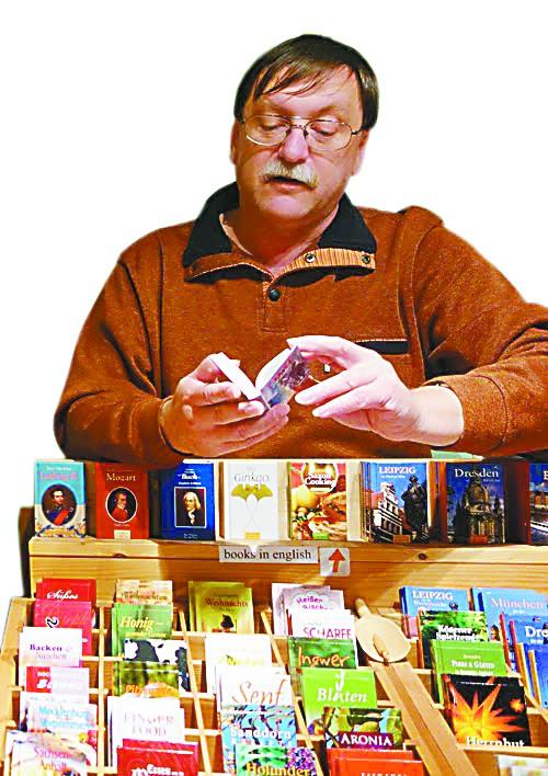 柏林老街区里的袖珍书店藏着大著作