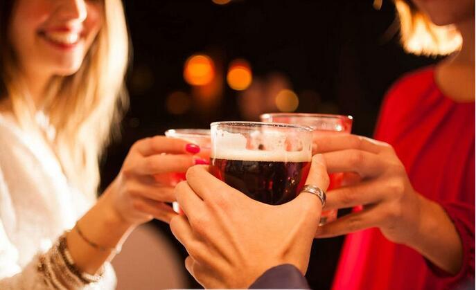 适量饮酒有益健康?法专家:别再误导群众!