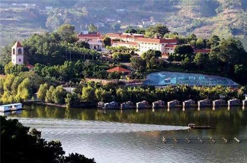 百镇示范蓬勃发展 四川特色小镇数量全国第二