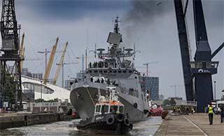 印度海军先进军舰访问英国