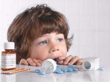 农药、酒精、药物,如何避免儿童误服中毒?
