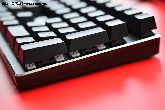 雷柏v810机械键盘侧裙