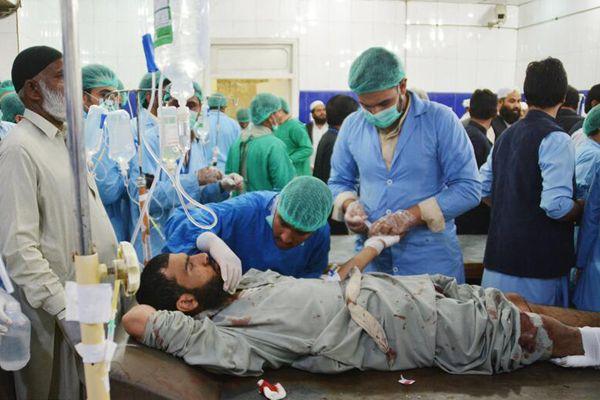 巴基斯坦参议院副主席车队遇袭 已致25死30伤