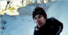 南非男子偷登珠峰攀上七千米为逃票躲进山洞